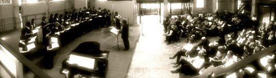 """La sezione femminile di Intende Voci Chorus durante il concerto """"Voci di donna"""" con musiche di Chabrier e Debussy"""