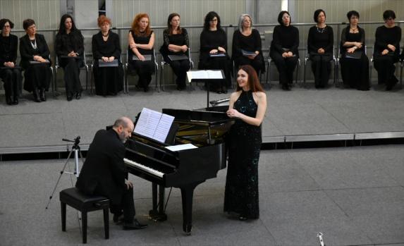 Oksana Lazareva (contralto), Marino Moretti (pianoforte) - Palazzina Liberty, 19/2/2017 - Credit: Alberto Panzani
